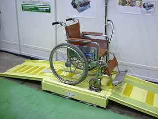 全自動車椅子洗浄機