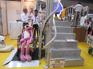 車いす用階段昇降機(スギヤスさん)