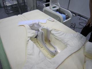 全自動排泄処理ベッド(ケイアイオーさん)