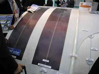 シート状発電装置の防水組込み例